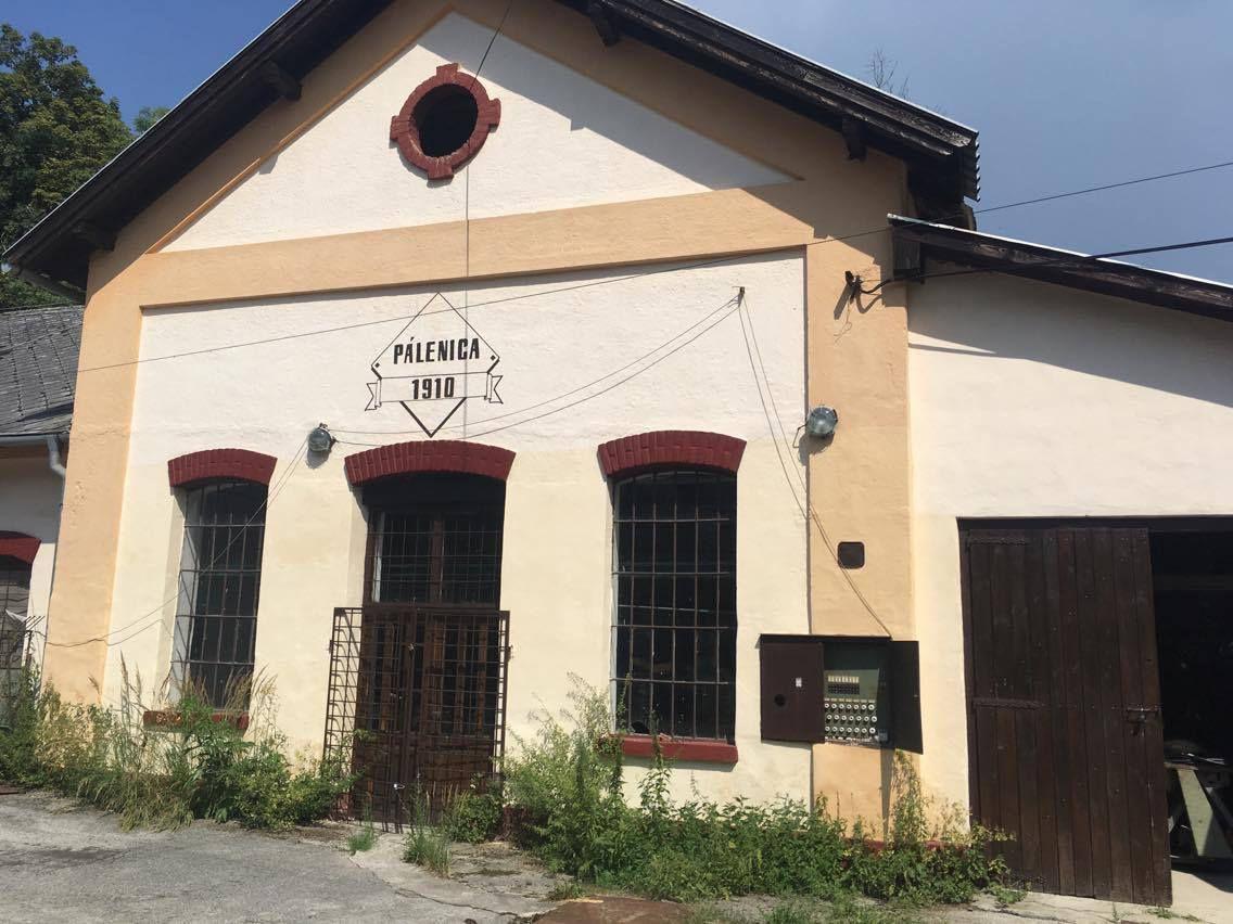 Poľnohospodársky objekt-Predaj-Uhrovec-76000.00 €