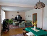 REALFINANC - Priestranný 5.-izb. rodinný dom, pekný pozemok o rozlohe 1200m2, obec Vlčkovce