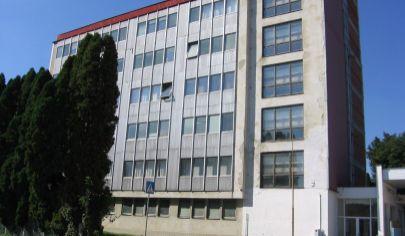 UHROVEC polyfunkčná budova, okr. Bánovce nad Bebravou