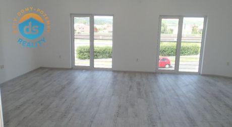 Na prenájom 2 komerčné priestory, 37 m2, 30 m2, Trenčín, ul. Bratislavská
