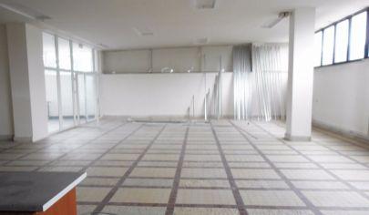 MARTIN NÁJOM obchodný priestor 300m2, Sever