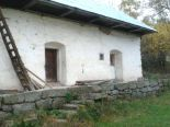 Horný Tisovník – dom/chalupa, letná kuchynka, pozemok 9879 m2 - predaj