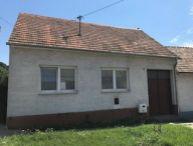 REALFINANC - Ponúkame Vám na predaj 2 izbový rodinný dom obec Kátlovce, cca 17 km Trnava