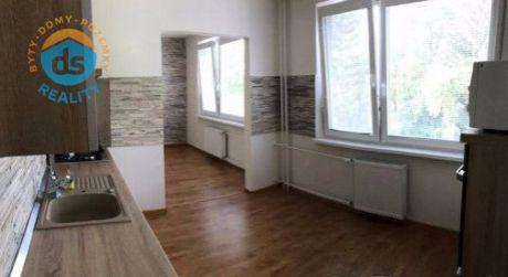 Na predaj byt 3+1 s balkónom, 65 m2, Trenčianske Teplice, ul. Švrť SNP