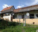 Rodinný dom v pôvodnom stave, záhrada 592m2, Trenčianske Jastrabie, okr. Trenčín. EXKLUZÍVNE U NÁS !!!