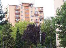 ACT Reality - 2izb. byt s balkónom v tichej časti starého sídliska