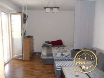 Rezervované !!! Predaj 2-izb.bytu /56m2/ + 2 pivnice v Bánovciach n/B.,