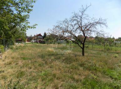 Čunovo , stavebný pozemok , 733 m2 , tiché miesto v centre obce , len u nás !!