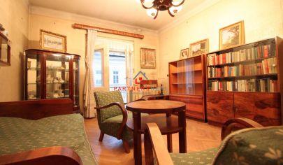 Ideálny 2-izbový byt s loggiou,lukratívna poloha,vlastný dvor,Mäsiarska