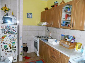 Predáme 1 izb. byt vo vyhľadávanej lokalite v Seredi