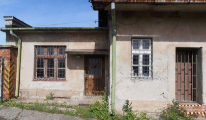 SUČANY budova s výrobnými halami na poz.1 500m2, okr.Martin
