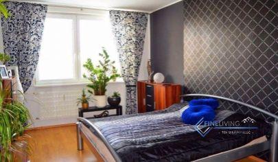 Zariadený 3 - izbový byt s balkónom
