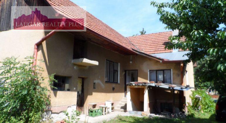 Exkluzívne iba u nás. Na predaj starší dom v obci Tuchyňa.