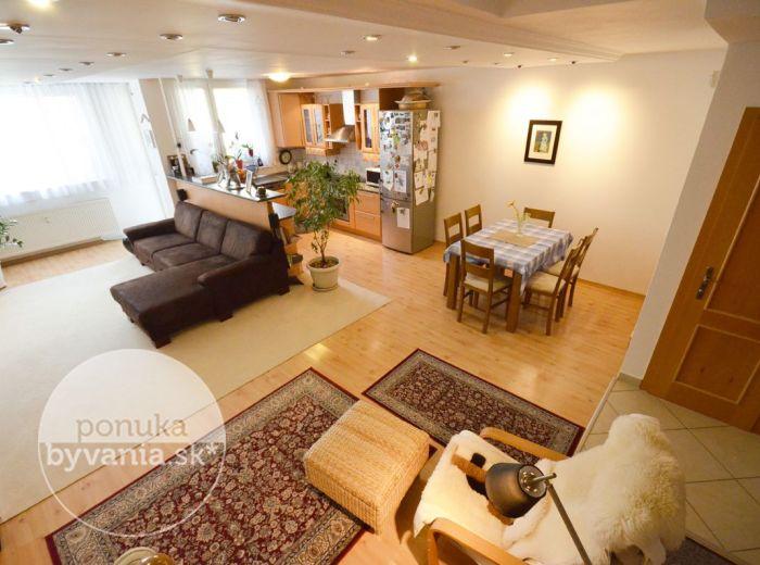 PREDANÉ - SARATOVSKÁ, 4-i byt, 138 m2 – priestranný tehlový mezonet, 2x LOGGIA, 2x kúpeľňa, 2x WC, veľký ŠATNÍK, kompletná REKONŠTRUKCIA