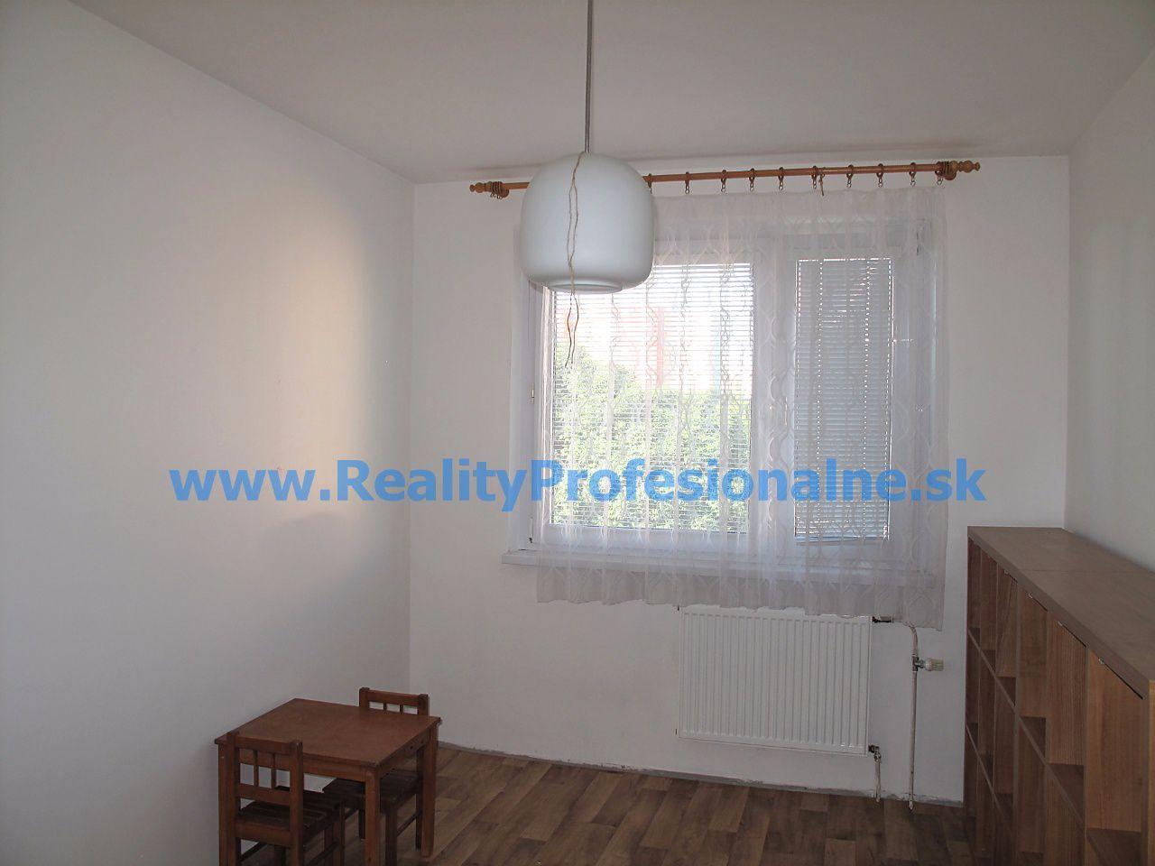 PREDANÉ ZA 1 DEŇ: 4 izbový byt v Petržalke - Ovsišti na Haanovej je najlepšie miesto na bývanie a výchovu detí