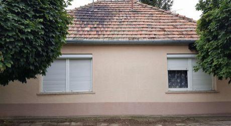 4 - izbový starší rodinný domček čiastočne zrekonštruovaný