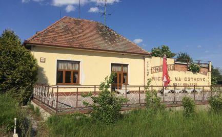 Rozostavaná stavba motorestu s projektom v obci Michal na Ostrove - Kolónia