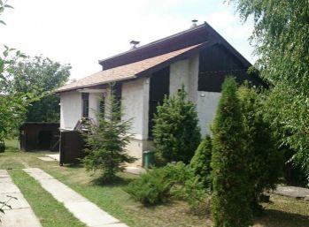 Rodinný dom v obci Svrbice, 10 km od Piešťan