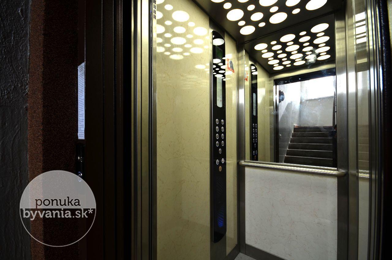 ponukabyvania.sk_Röntgenova_4-izbový-byt_BARTA