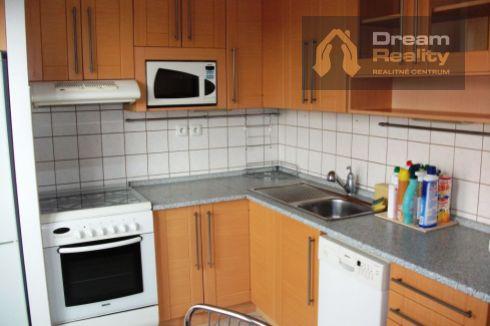 Trojizbový byt s výťahom Hliny