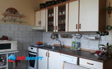 TOPOĽČANY - ulica Krušovská - 4 - izbový byt na predaj - balkón