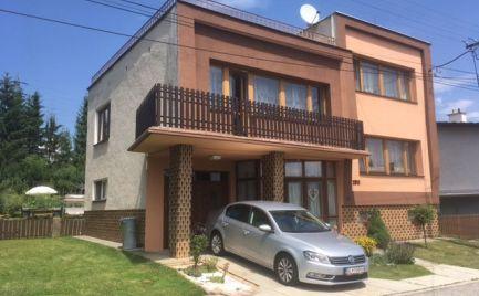 Predaj 5 izbového rodinného domu s garážou, krásnou slnečnou záhradou a posedením , Žiar nad Hronom