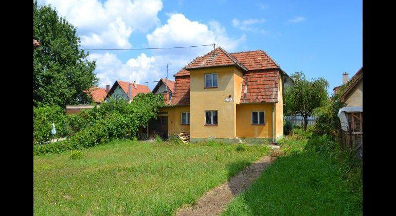 Rodinný dom – kľudne bývanie na Lipovej ul. V Trenčíne.