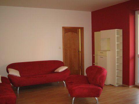 NA PRENÁJOM: 3-izbový byt v zaujímavej lokalite na ulici Šustekova, Petržalka.