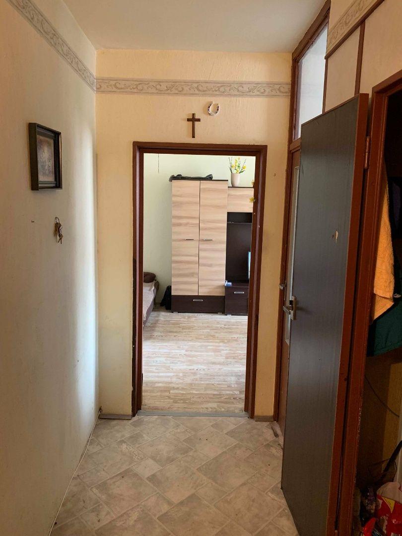 Na predaj: 2-izbový byt, pôvodný stav, Svätoplukova, Pezinok