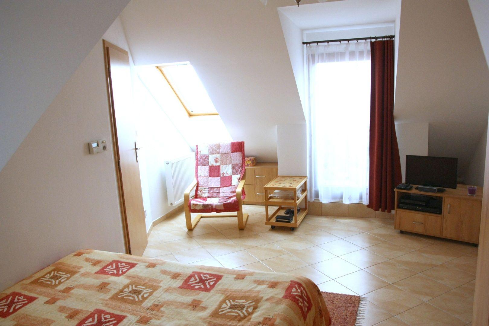 NA PREDAJ: Jedinečný podkrovný 2-izb.byt v Marianke s výhľadom na Devínsku kobylu