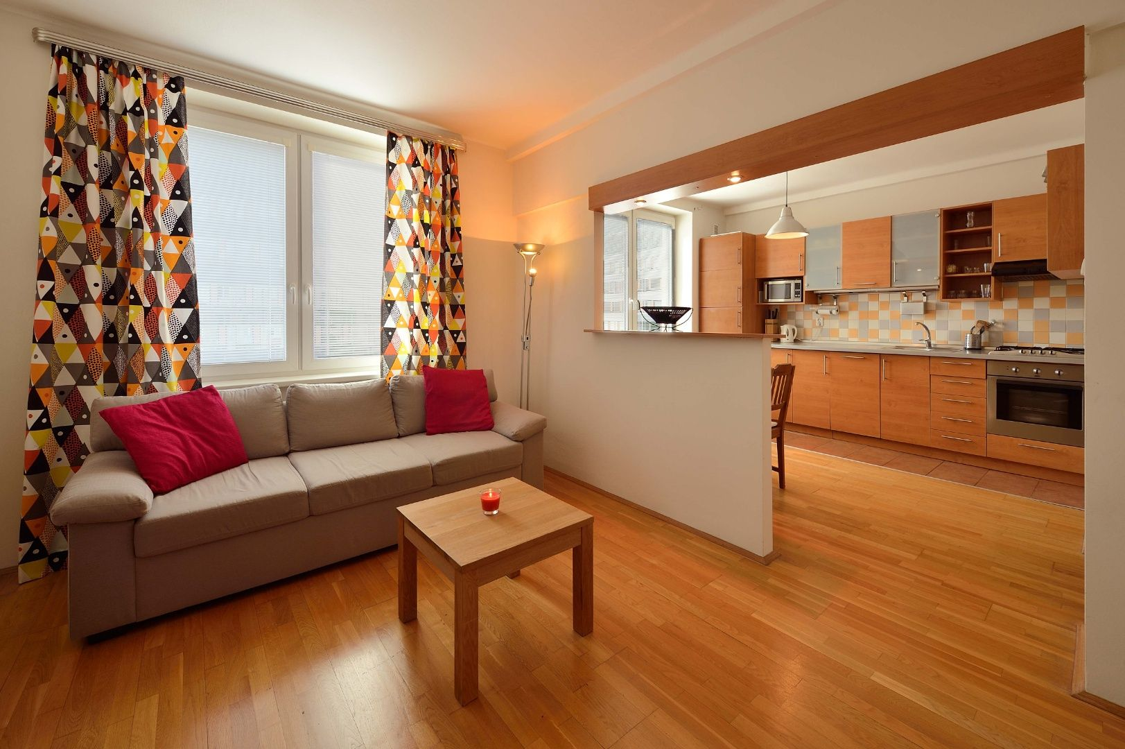 NA PRENÁJOM: Priestranný 2-izbový byt, Budovateľská ulica, Ružinov