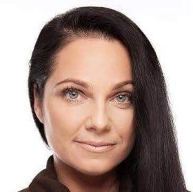 Andrea Darnadiová